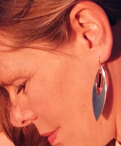 ploombijoux boucles d'oreilles originales longues dorées elegantes noires Plume