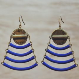 boucle d'oreille ethnique design graphique Kheops-modele deposé Ploom Bijoux bleu roi