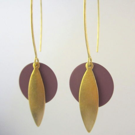 boucle d'oreille createur ethnique longues laiton doré or fin modele BIRDY Ploom bijoux violine