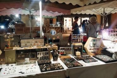 stand de presentation des bijoux Ploom Bijoux originaux boucles d'oreilles createur