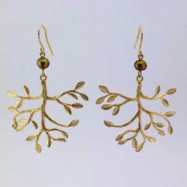 boucles d'oreilles femme originales chic fine branches dorées avec perle d'eau douce kaki nacré
