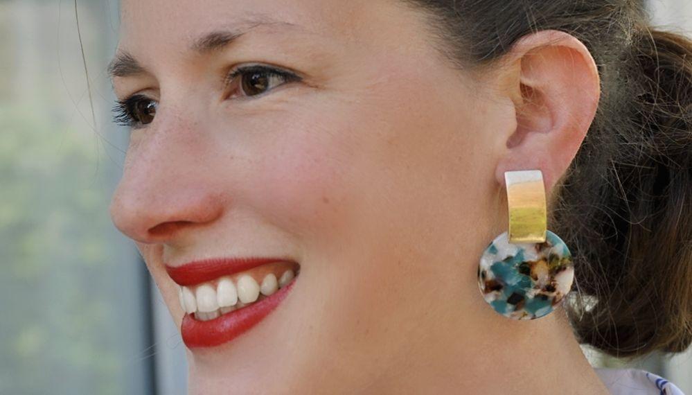 boucles d'oreilles créateur résine acetate tortoise bleu marron chic dorées