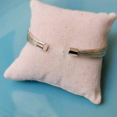 arrière du bracelet multi joncs fin plaqué argent strass ploom bijoux createur francais