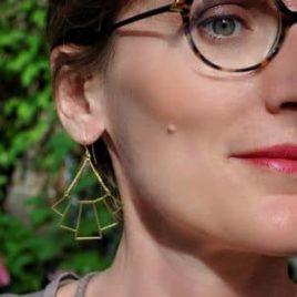 boucles d'oreilles légères graphiques originales dorées ploom bijoux createur francais