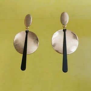 Boucles d'oreilles dorées mat graphiques art déco originales ploom bijoux créateur français