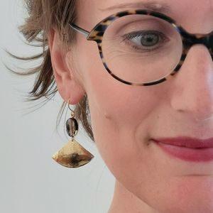 Boucles d'oreilles Nefertiti martelé chic precieuses raffinées originale modernes créateur quartz ploom bijoux